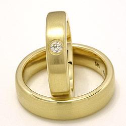 Matt gifteringer i 14 karat gull 0,11 ct - par