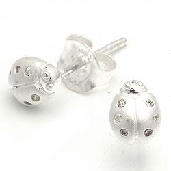 Marihøne ørestikker i sølv