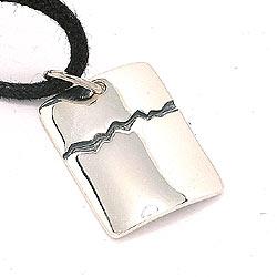 Firkantet dogtag halskjede i bomull med anheng i sølv